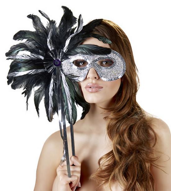 Maska na oči zdobená peřím