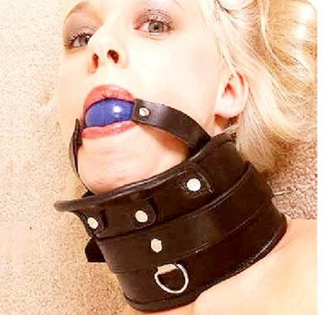 Ball Gag With Collar - roubík
