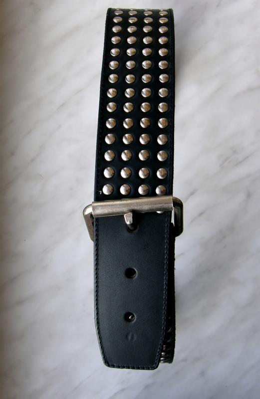 Kožený pásek s cvočky,80cm